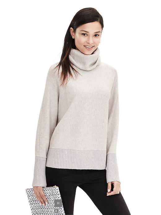 BR Oversized Turtleneck sweater